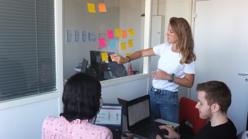 L'agence inclusive Label Touche issue de Label Emmaüs et Label École réunie toutes ses idées dans un brainstorming